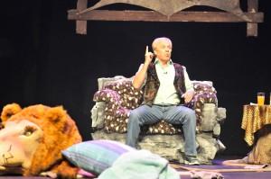Tim Plewman stars in Defending the Caveman at the Hexagon Theatre in Pietermaritzburg. Photo: Suzy Bernstein