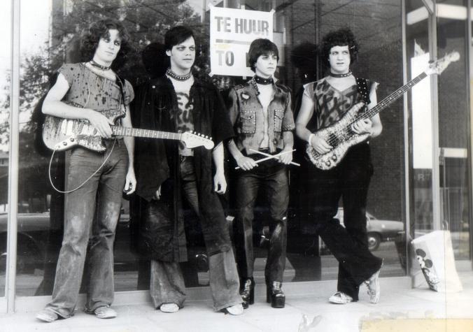 Radio Rats 1977 (l-r) Jonathan Handley, Dave Davies, Julian Platt, Herbie Parkin