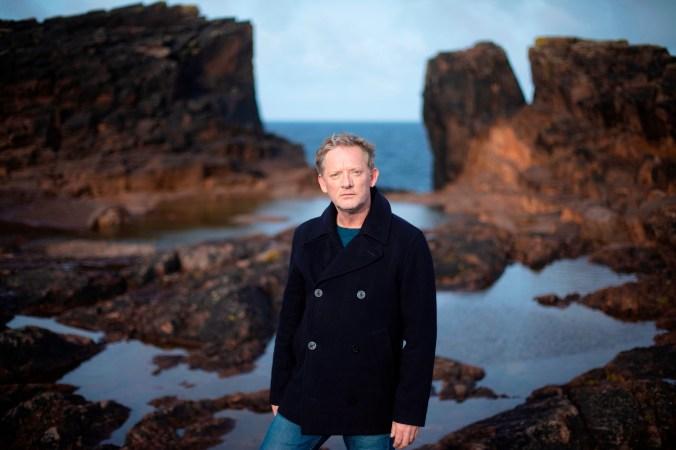 Douglas_Henshall_in_Shetland